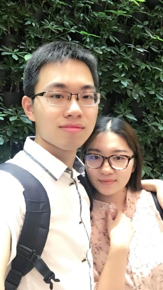 2018年四月的时候叔叔来广州,然后我带笑笑和叔叔婶婶还有翔翔弟弟一起吃饭,好像是在天汇广场